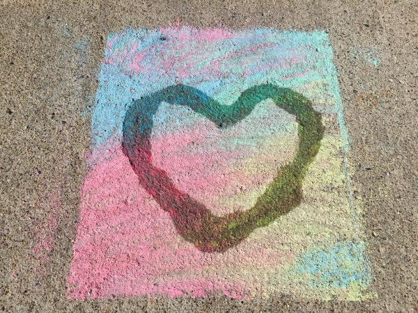 Adding water to your chalk art makes come impressive looks tha are quite unique.